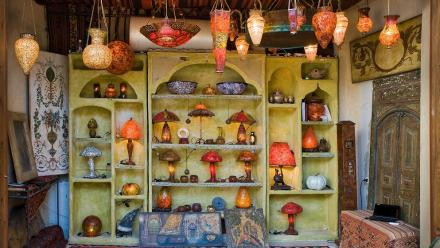 A light shop in Damascus. Photo by Stuart Hay.