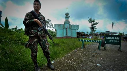 A soldier in Mindinao. Photo by Karl Grobl, The Asia Foundation.