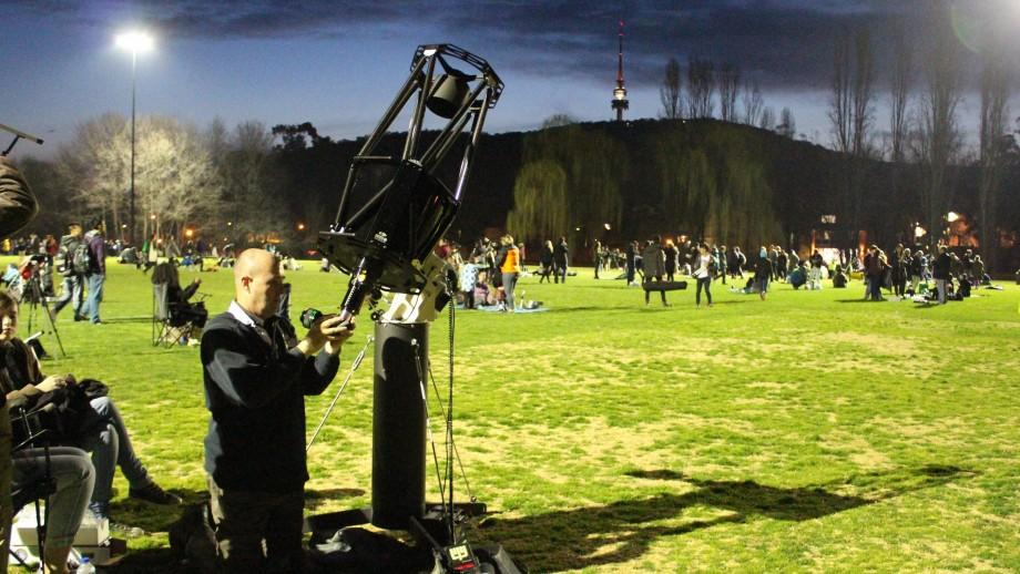 A national stargazing event organised by ANU has won a second Guinness World Record for Australia. Image: James Grubel