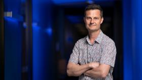 Professor David Tscharke was diagnosed with MS almost 10 years ago. He's dedicated to finding better treatment for people like himself. Photo: Jamie Kidston