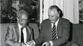HC 'Nugget' Coombs with former Prime Minister Gough Whitlam in 1981.