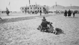 Jimmy Clements on the day of the opening of Old Parliament House, 9 May 1927. Source: National Library of Australia.