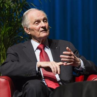 Alan Alda at Llewellyn Hall. Photo by Stuart Hay.