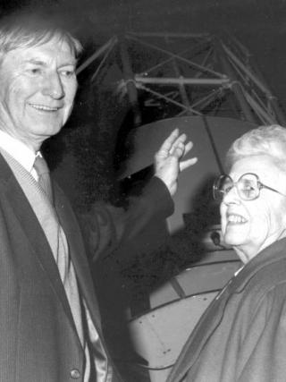 Former Mount Stromlo Observatory Director Alex Rodgers with Joan Duffield.